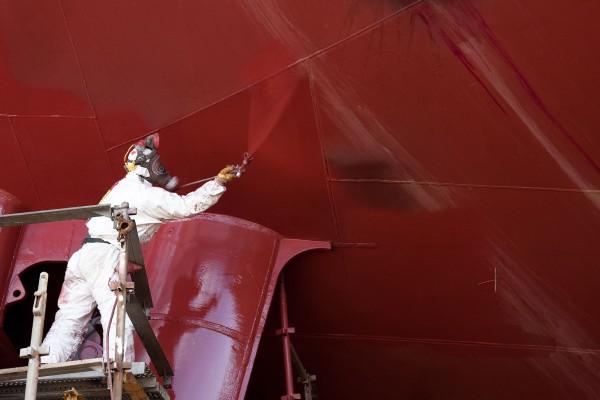 окраска яхты краскопультом