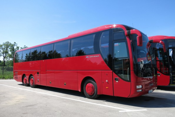 автобус после окрашивания
